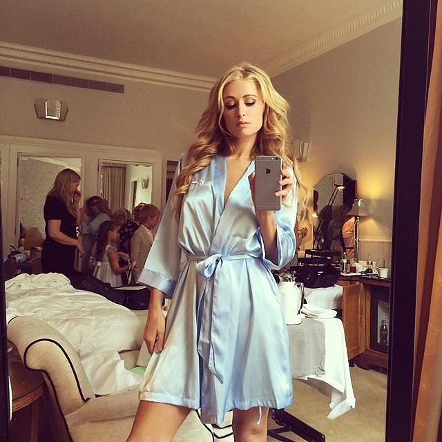 Paris-took-selfie-bridal-party-glammed-up