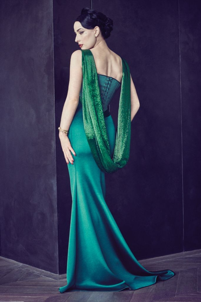 resized_alexis-mabille-001-1366