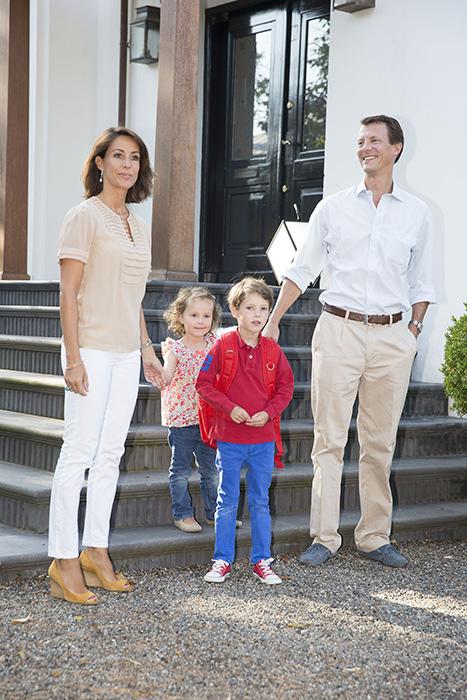 الأمير هنريك أمير الدنمارك  (4)