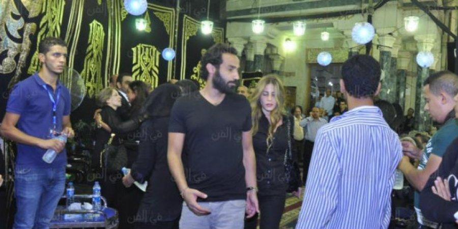 الظهور الأول لأحمد فهمي برفقة زوجته منة حسين فهمي (1)
