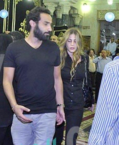 الظهور الأول لأحمد فهمي برفقة زوجته منة حسين فهمي (2)