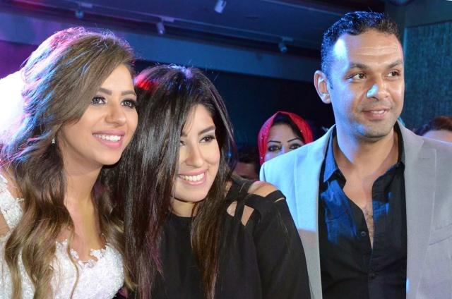 العروس ومحمد عز العرب وزوجته أيتن عامر