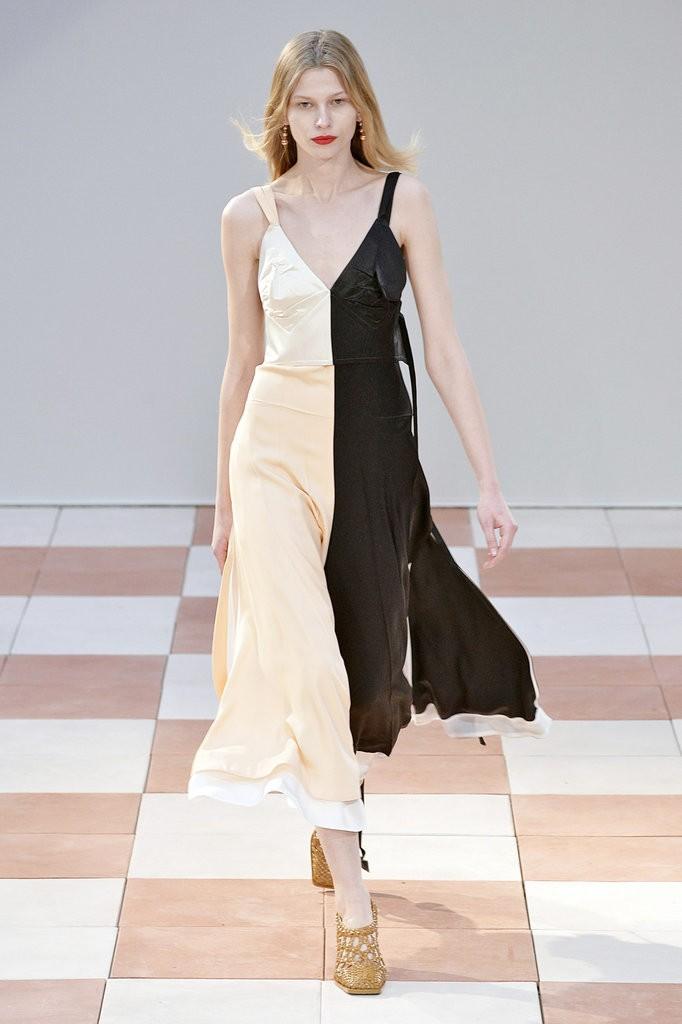 الفساتين والإطلالات التي تحمل رقع ملونة4