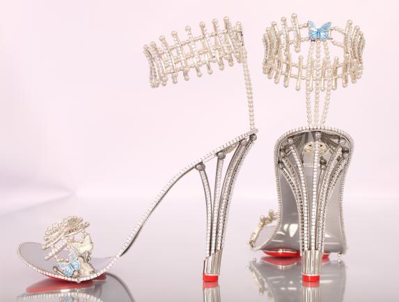 حذاء بيونسيه الماسي (1)