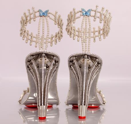 حذاء بيونسيه الماسي (5)