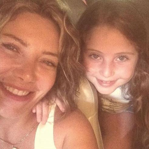 سلافة معمار تنشر سيلفي مع ابنتها