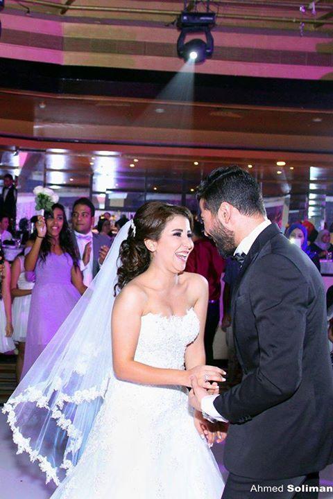 علياء عساف تتألق في حفل زفافها  (2)