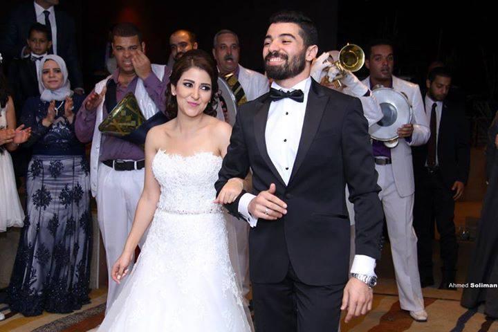 علياء عساف تتألق في حفل زفافها  (4)