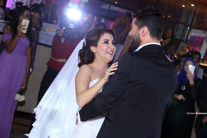 علياء عساف تتألق في حفل زفافها  (5)