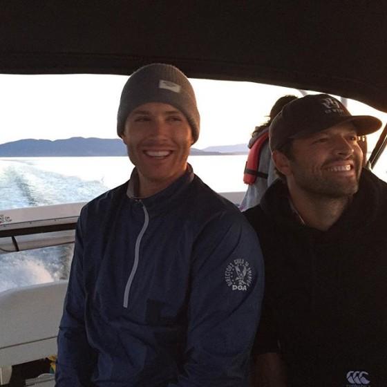 لجنسن آكلز على متن أحد القوارب