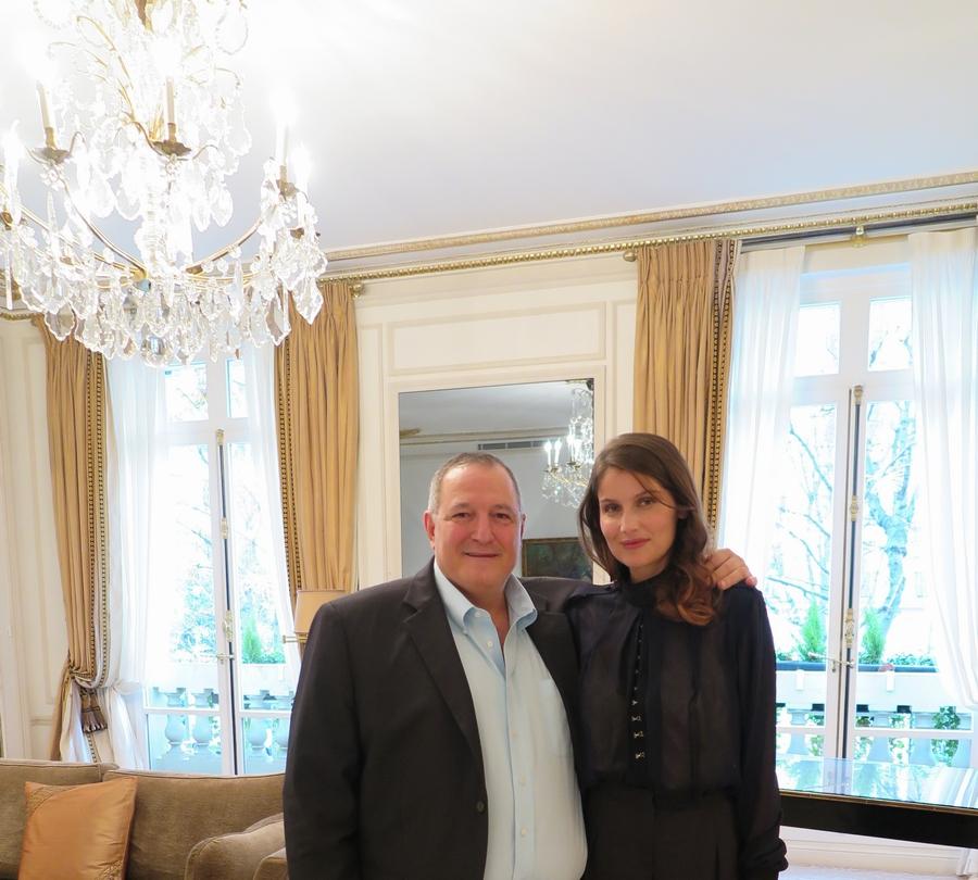 مع النجمة الفرنسية ليتيسيا كاستا