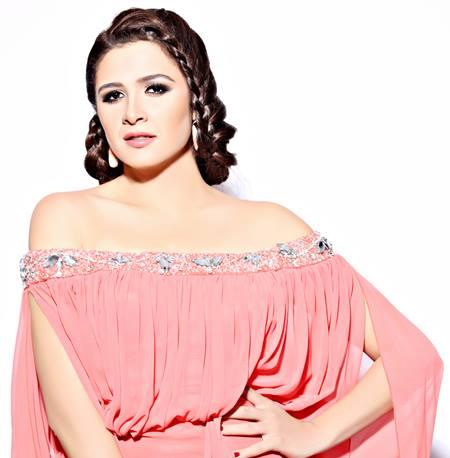 ياسمين عبد العزيز (5)