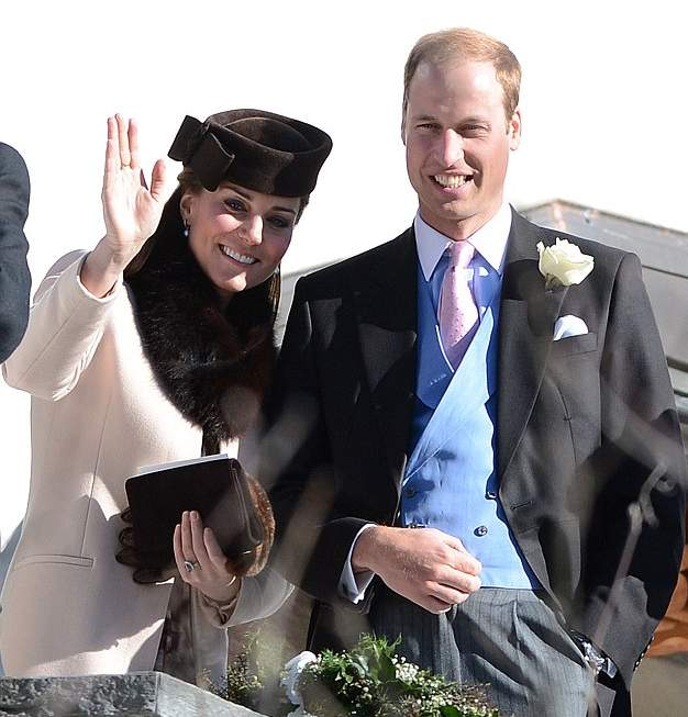 2B65E93E00000578-0-Prince_William_and_Kate_pictured_attending_a_friend_s_wedding_to-a-20_1440190054684