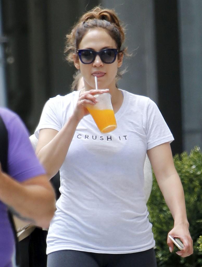 Jennifer-Lopez-Crush-Gym-T-Shirt (3)