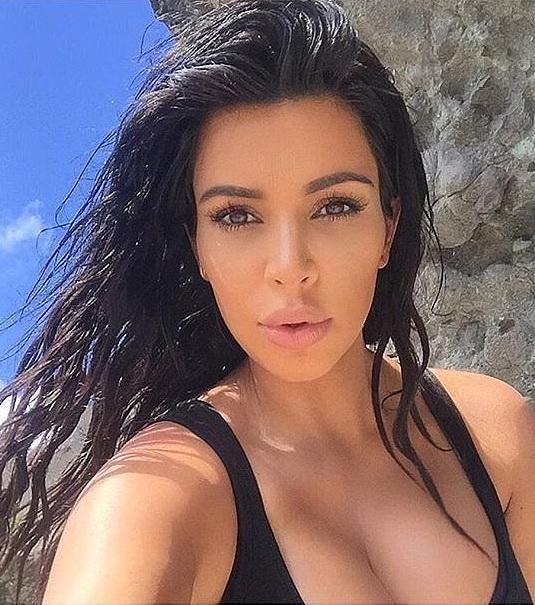 Kim-Kardashian-Shares-Selfies-From-Her-Hike-St-Barts