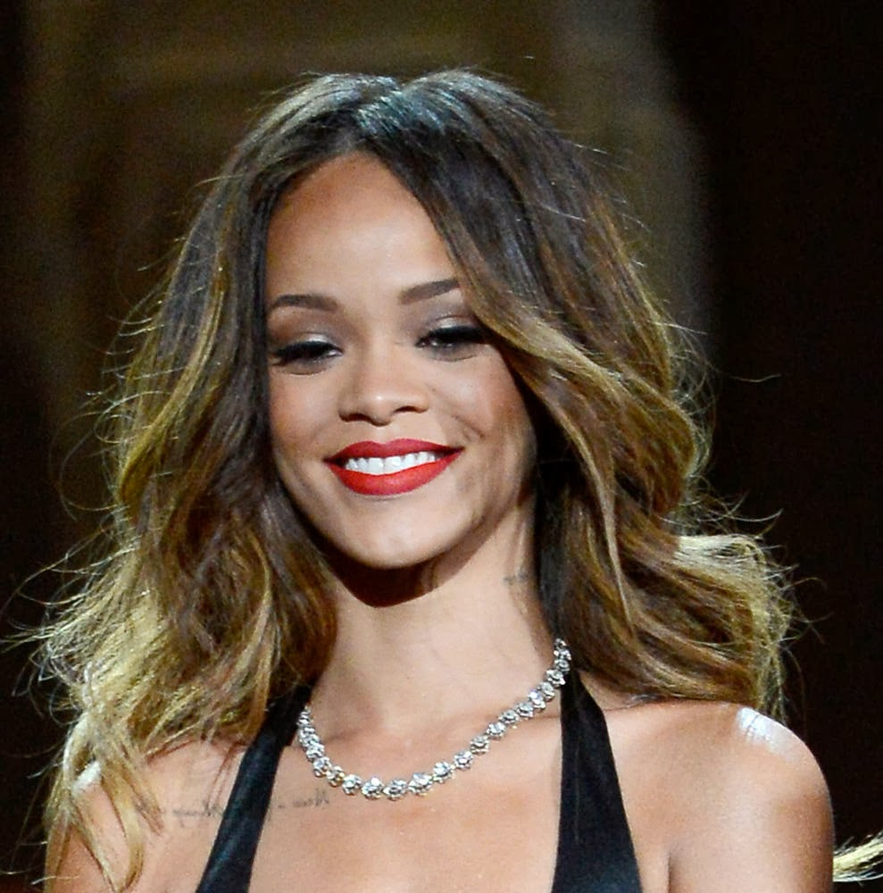Rihanna-Performance-Necklace-neil lane