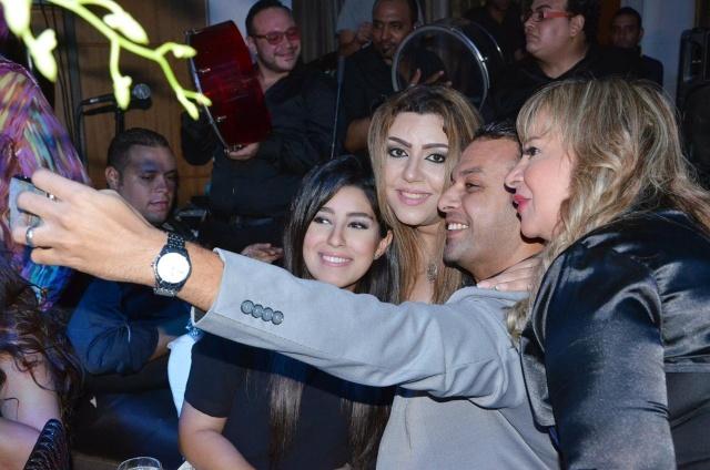 Selfie مع أيتن وعز العرب