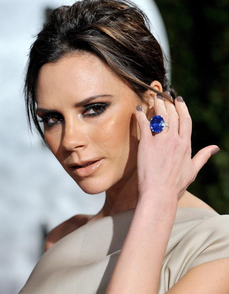 Victoria_Beckham_2010-Vanity-Fair-Oscar-Party_Vettri.Net-06