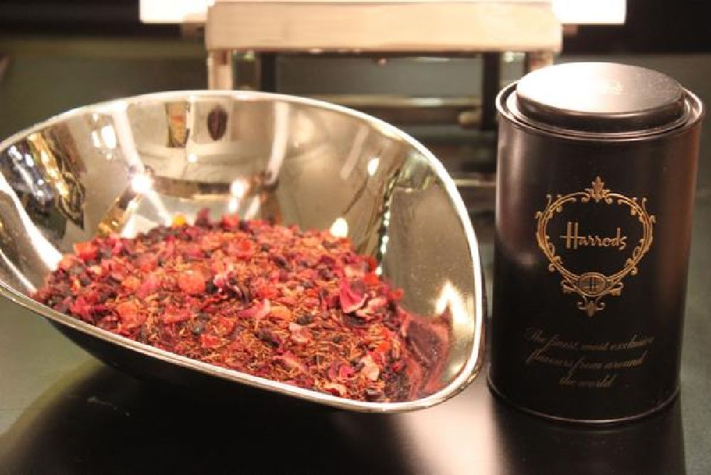 resized_Custom_Tea_Blending_Harrods
