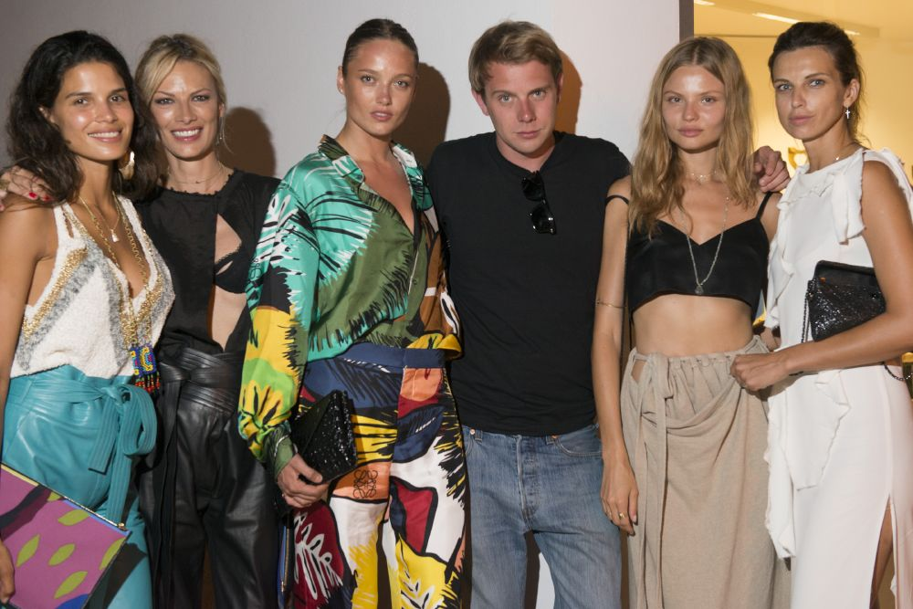 resized_Raica Oliveira&Lavinia Birladeanu&Karmen Pedaru&Jonathan Anderson&Magdalena Frackowiack&Irina Marie