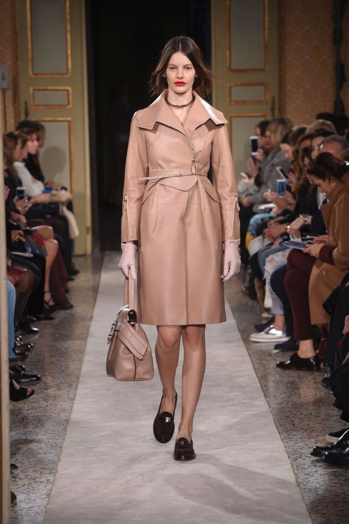 resized_TOD'S Women's FW 2015-16 Collection_Look 1