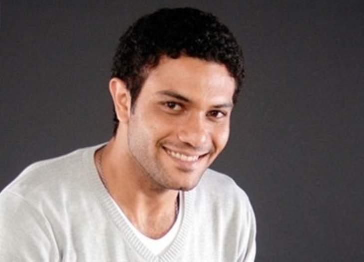 آسر ياسين قدمه الفنان محمد صبحي