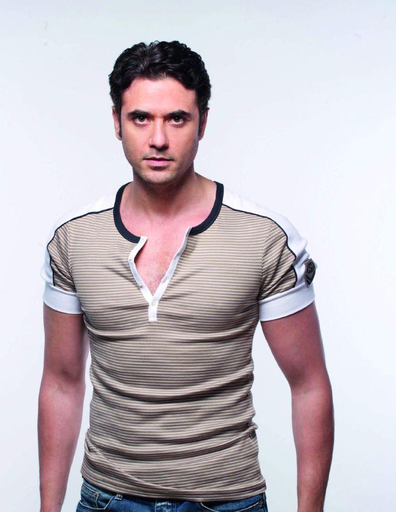 أحمد عز (1)