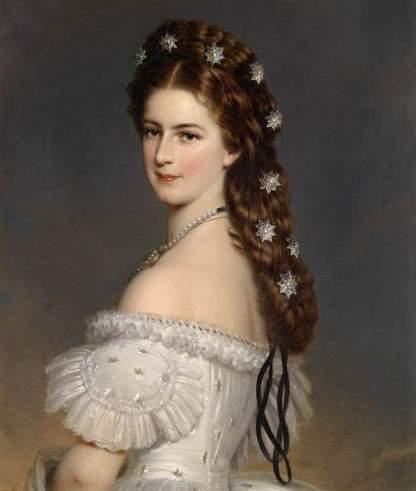 إليزابيث ملكة النمسا كانت تقوم بلف منديل مبللاً حول خصرها، لاعتقاها بأن هذا الأمر سيؤدي إلى رشاقتها.