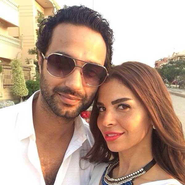 كريم فهمي وزوجته (4)