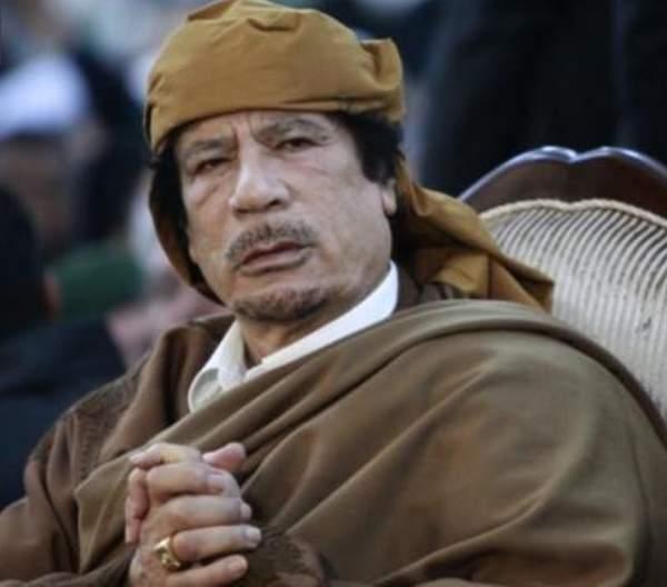 معمر القذافي كان يخشى المرتفعات جداً، كما أن حرّاسه الشخصيين كانوا نساءً.