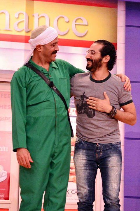 اشرف عبد الباقي مع احمد حلمي على مسرح مصر