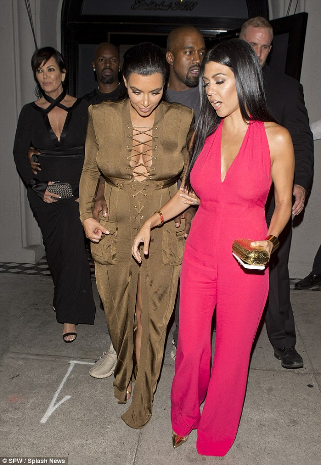 2BD542BB00000578-3216765-We_are_family_Kylie_s_mum_Kris_Jenner_and_her_boyfriend_Corey_Ga-a-10_1441016177027