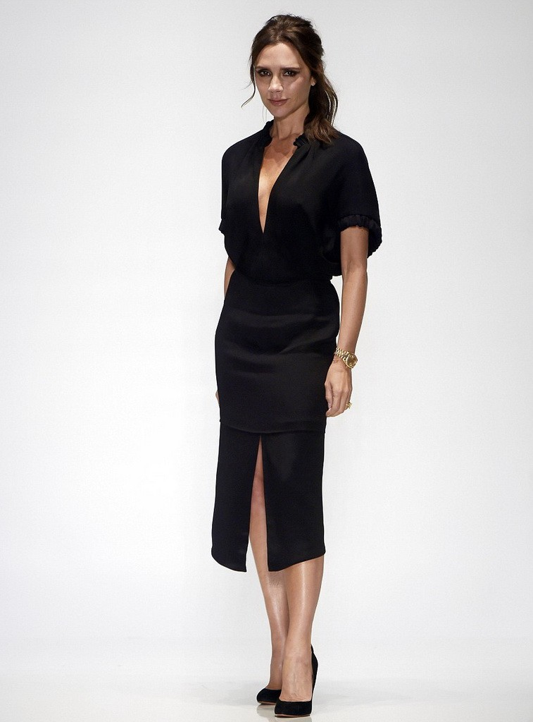 2C44EC1A00000578-3232855-Star_of_the_show_Victoria_Beckham_proved_her_sartorial_worth_onc-a-3_1442161358757