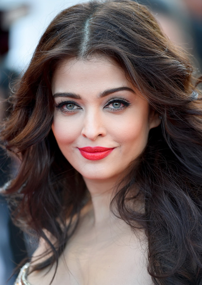 Aishwarya-Rai-2014-Cannes-Film-Festival-Best-Beauty-Looks-Day-71