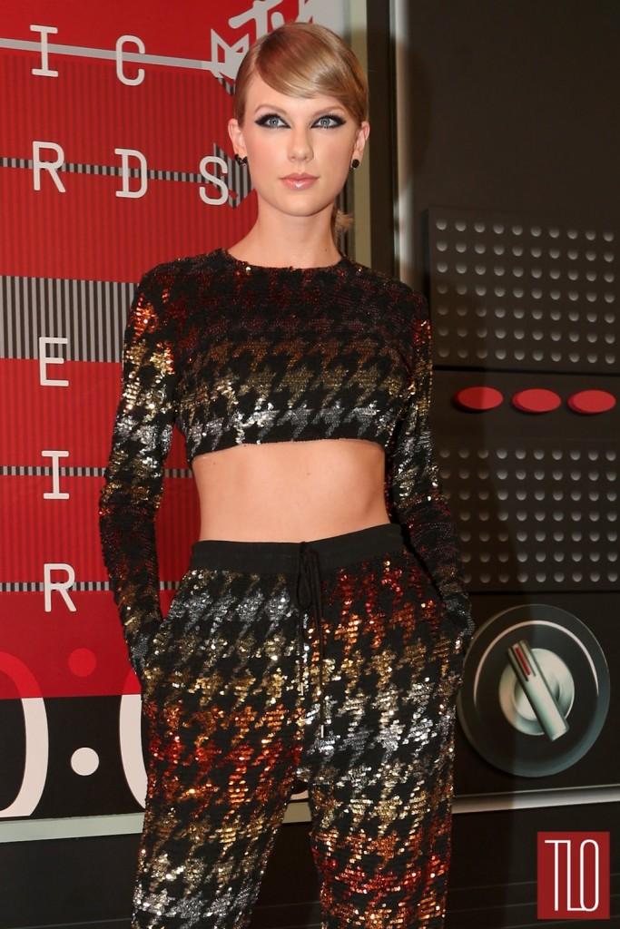 Taylor-Swift-2015-Video-Music-Awards-VMAS-Red-Carpet-Fashion-Ashish-Tom-Lorenzo-Site-TLO-1