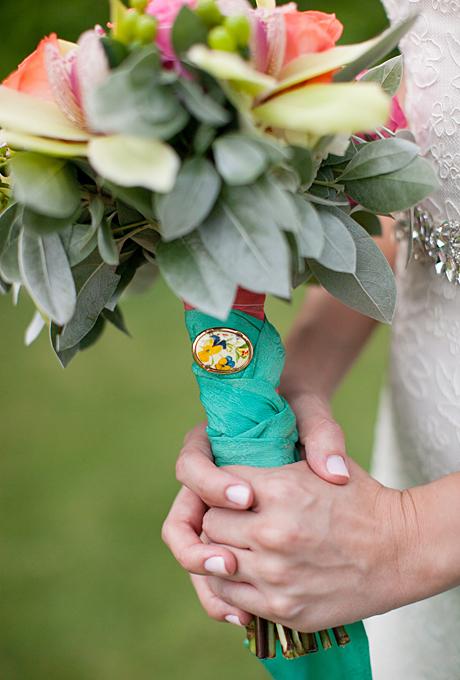 vineyard-wedding-lavender-pink-grey-bouquet-tie