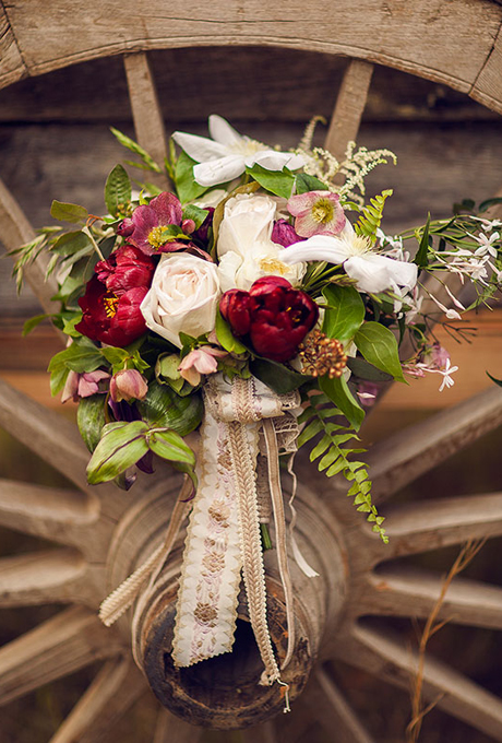 wedding-bouquets-hand-tied-wrapped-antique-ribbon