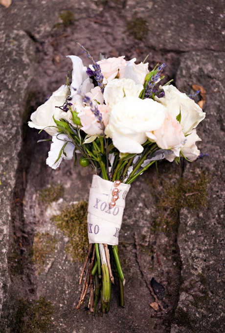 wedding-bouquets-hand-tied-wrapped-printed-ribbon