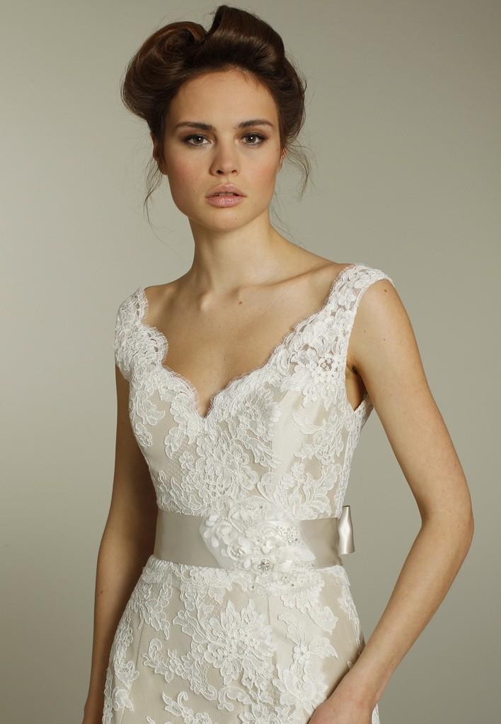 wedding-dress-extraordinary-v-neck-lace-bridal-gowns-popular-lace-dresses-online-shop-astonishing-images-of-lace-gowns-design-style-lace-grad-dresses-2012-lace-dresses-size-16-lace-gowns