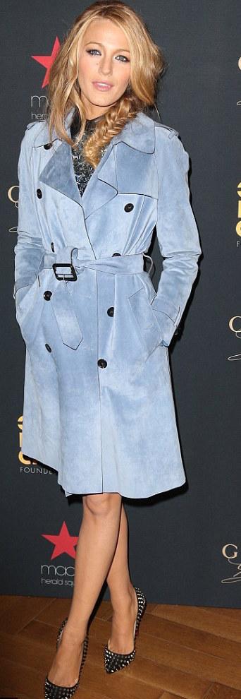 المعطف بحزام يساعدك على إبراز خصرك بشكل أنحف