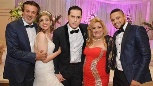 النجوم يشاركون ناصر سيف فرحته بزواج ابنته (3)