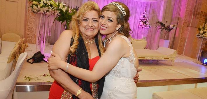 النجوم يشاركون ناصر سيف فرحته بزواج ابنته (4)