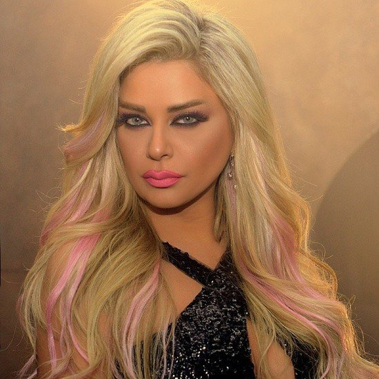 بالصور-مادلين-مطر-تصبغ-شعرها-باللون-الوردي-951999