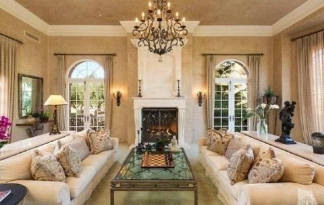 بريتني سبيرز تشتري قصراً فخماً  (4)