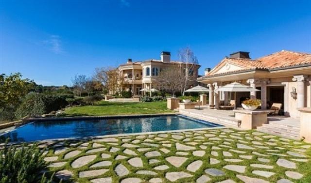 بريتني سبيرز تشتري قصراً فخماً  (7)