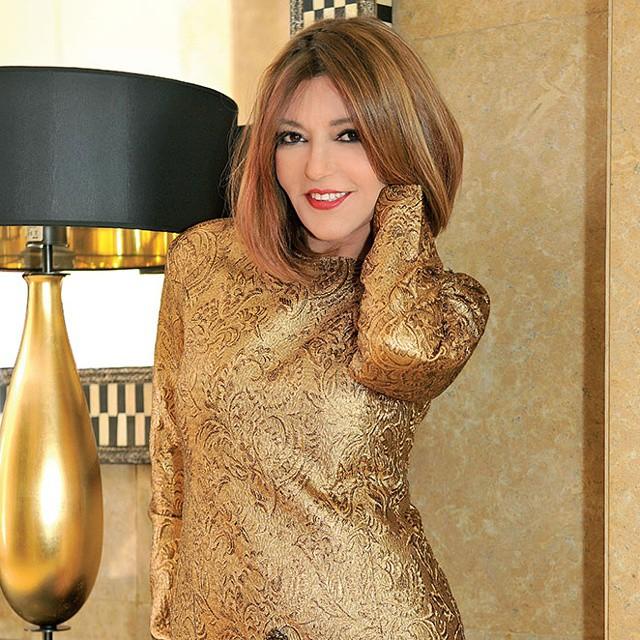 تألق سميرة سعيد باللون الذهبي
