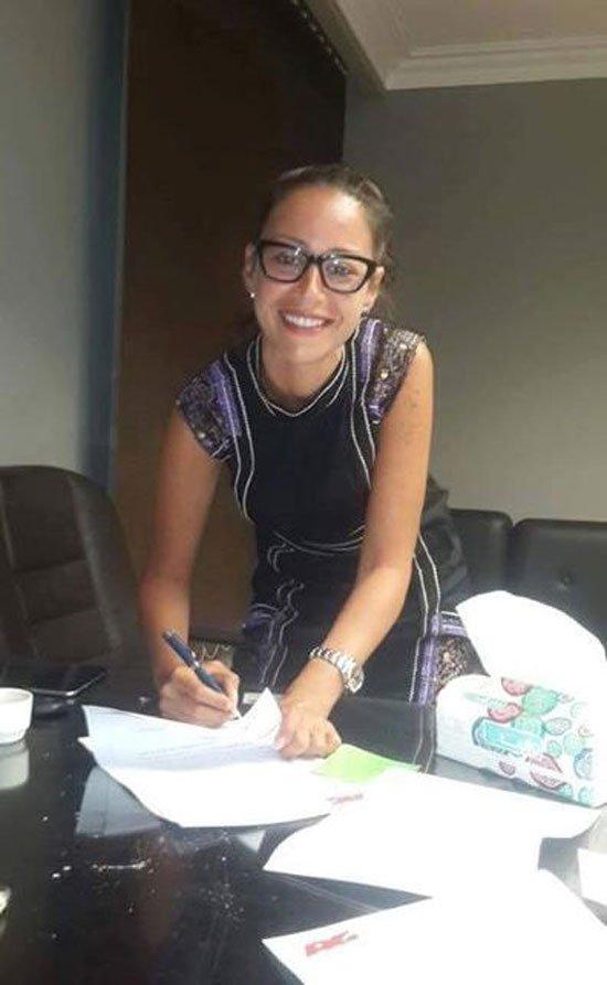 توقيع منة شلبى مع شركة العدل جروب لبطولة مسلسل واحة الغروب