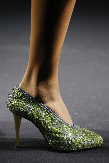 حذاء من الترتر من لانفان