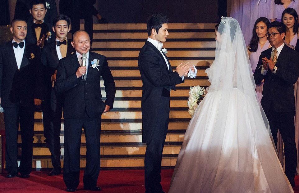 حفل زفاف كيم كاردشيان الصين (3)
