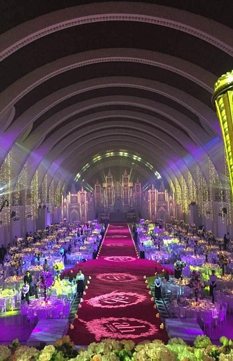 حفل زفاف كيم كاردشيان الصين (4)